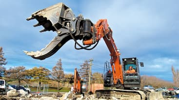 Attach2 Multi Grab Bucket on Demolition Hitachi Digger